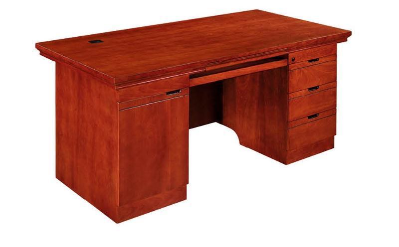 一、職員臺結構簡介   A.主臺:整體桌面。中間桌麪人坐位置帶有黑色皮墊,增加舒適及辦公需要。左右各開有一個金屬走線盒,直通地面。臺下配有一個鍵盤抽,可以放筆和一些小辦公用品,很實用;   B.活動小櫃:三個標準抽屜,彈珠三節導軌使用輕便安全、耐用,抽屜帶鎖,小櫃放在主臺下面 下麪,可左右隨意調換位置;   C.