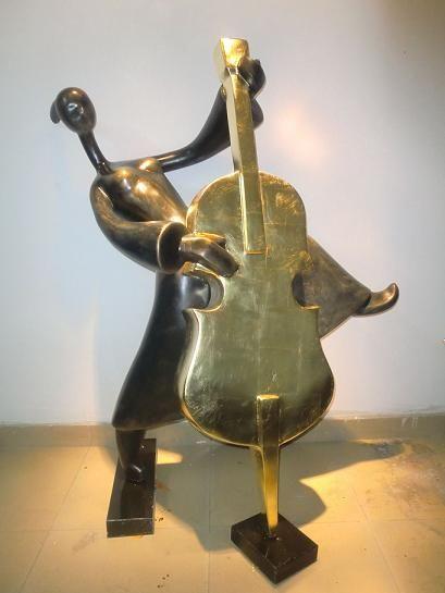 乐器雕塑抽象音乐人物雕塑