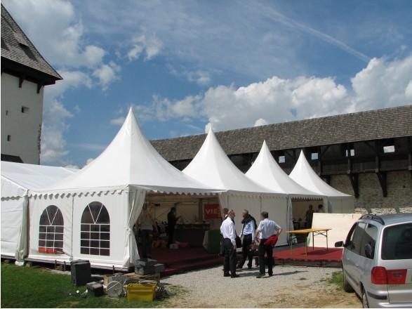 篷房的主体结构采用高强度铝合金型材