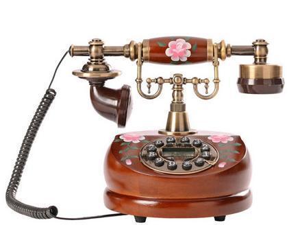仿古电话机颇得追求时尚古典的现代人的青睐图片