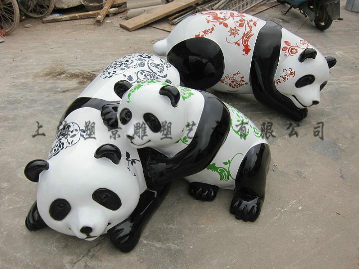 上海塑景雕塑藝術有限公司是由一羣充滿朝氣和活力的青年藝術家共同創辦的雕塑及設計公司,公司以設計原創爲本,追求精典藝術和現代生活的完美結合!   雕塑藝術已溶入我們的生活,塑景雕塑藝術機構專業致力於城市雕塑,景觀雕塑,標誌性雕塑,企業雕塑,商業雕塑,校園雕塑,假山假樹等產品的整體設計規劃、製作、銷售和安裝一條龍高效服務。   勇攀雕塑藝術之高峯,爭當雕塑行業之鉅艦!公司實力雄厚,擁有大批知名的雕塑家、設計師及各種技藝精湛的專業團隊。精緻的製作、加工與保障,並推出三年保修、終身維修的服務制度,深受廣大客戶