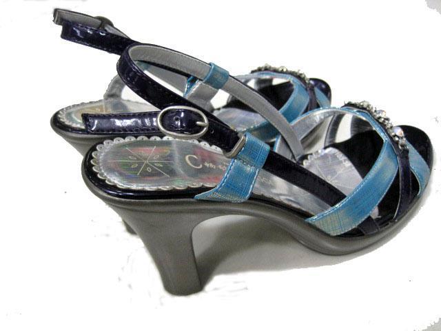 经营各类最新款式女式凉鞋