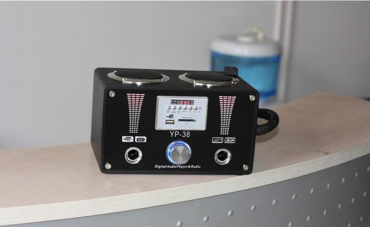 5头连接音箱的dc孔,usb头连接电脑就可为音箱进行