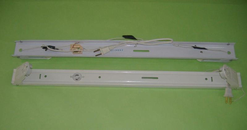 如何安装日光灯支架-