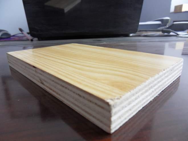 芯板材质:杨木     面底:冰糖果,奥古曼,山桂花,水曲柳,杨木