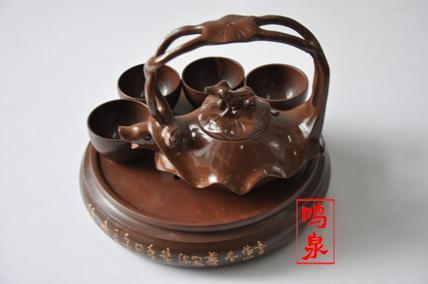 产品规格:壶 高档碗*4 茶海    产品包装:高档木鱼石精美礼盒包装