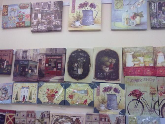 本公司主营产品有:礼品相框,无边框,有边框,油画布,喷绘布,彩绘