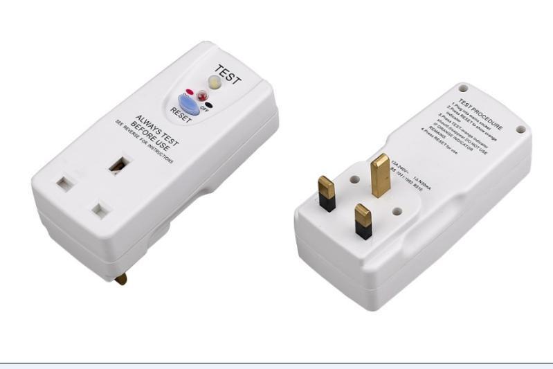 品牌:南島牌   產品名稱:英式多功能漏電保護轉換插座   產品規格:3插分體式   額定電壓:240V~/50HZ   額定電流:13A   剩餘動作電流:10mA或30mA   漏電保護器的重量:0.45(千克)   動作時間:0.1s   耐久試驗次數:4000次   顏色:南島白或黑色   產品描述:漏電保護插頭通過CE認證,適用於交流額定電壓240V的單相電路中,廣泛適用於電熱水器,微波爐,電磁爐,電視機,電冰箱,洗衣機,電吹風,電熨斗,吸塵器,電動水泵,電動割草機,手持式電動工具等電器的漏