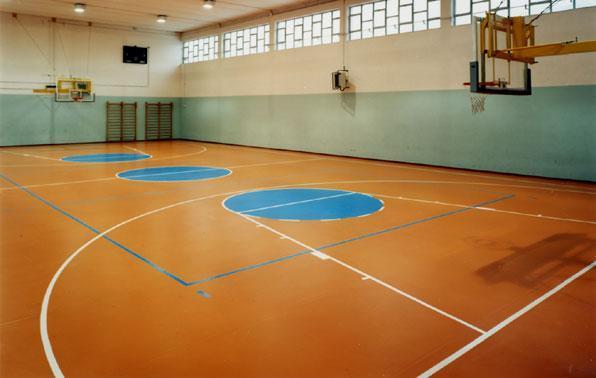 一般篮球场塑胶地板都多少钱在什