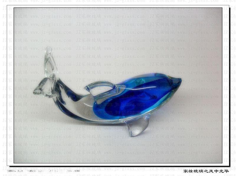 主要产品有:动物系列玻璃工艺品