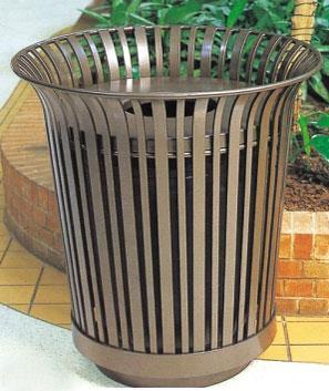 分类垃圾桶是户外街道及公园的一道美丽的风景线