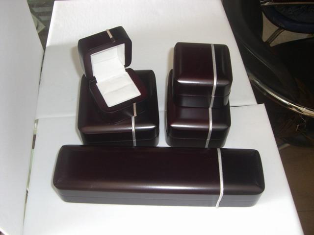 包装带编织椅子