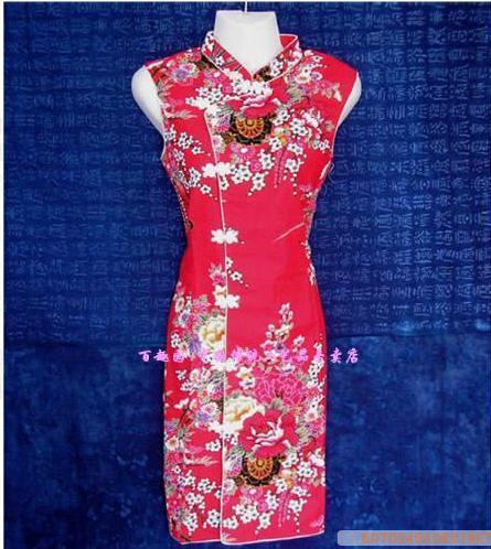 中国传统中式旗袍-红色花纹