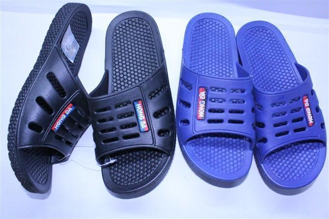 男式凉拖鞋和女式凉拖鞋