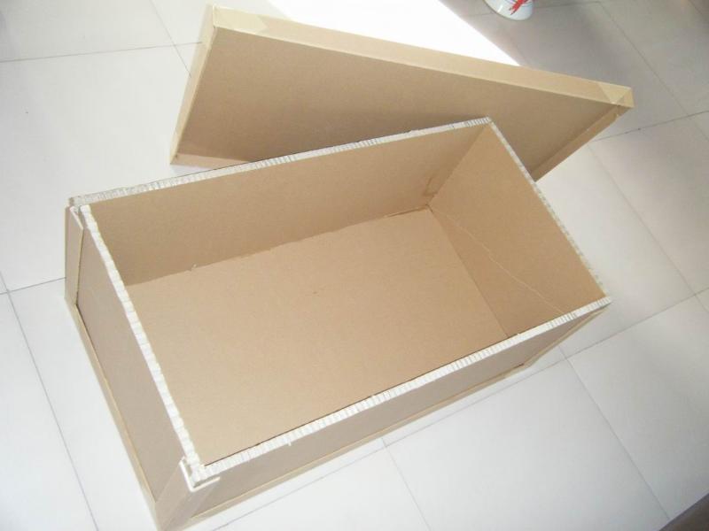 點擊查看大圖:蜂窩紙箱 蜂窩紙箱 訂貨量(件) 價格(元/件)  1 面議 供貨總量: 未填寫.