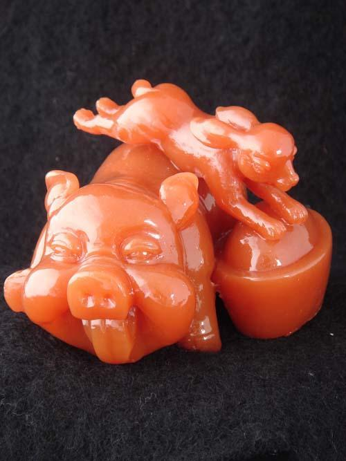 树脂工艺品猪兔呈祥