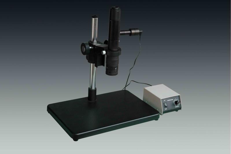 光学显微镜如何对光