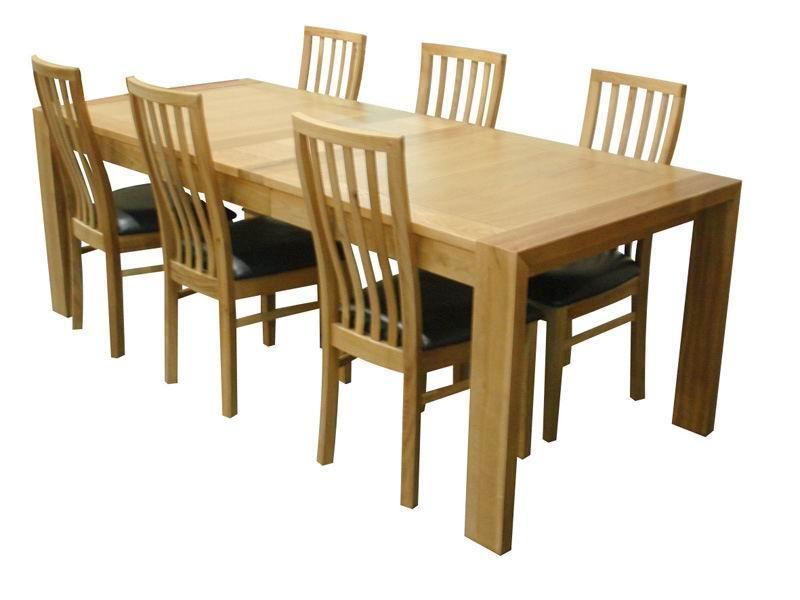 實木橡木大餐桌椅。   我廠主要生產各種室內實木傢俱,臥室系列,客廳系列,廚房系列,浴室系列,賓館及酒吧桌椅等,產品款式設計,尺寸及木料可以根據客戶要求定做,主要出口到歐美、澳洲、東南亞、中東等,歡迎合作。