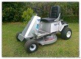 乘騎式汽油動力草坪機 Wl-830