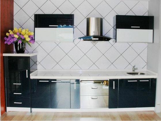 这样的设计在大型厨房中应用较多,可以在岛台上做独立的水盆,电陶炉的