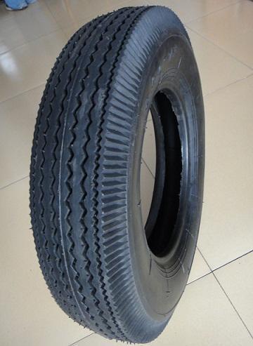 本公司生产轮胎的花纹主要有人字花纹