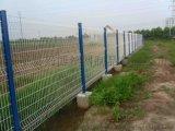 推薦帶彎鐵絲圍欄網、帶加強筋的三角折彎護欄網