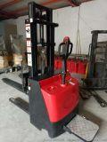 金盾2噸電動搬運叉車高性能免維修蓄電池