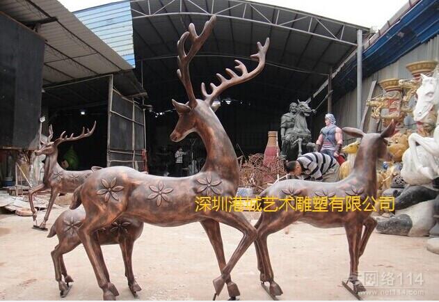 广场装饰动物雕塑 深圳厂家直销玻璃钢梅花鹿雕塑工艺