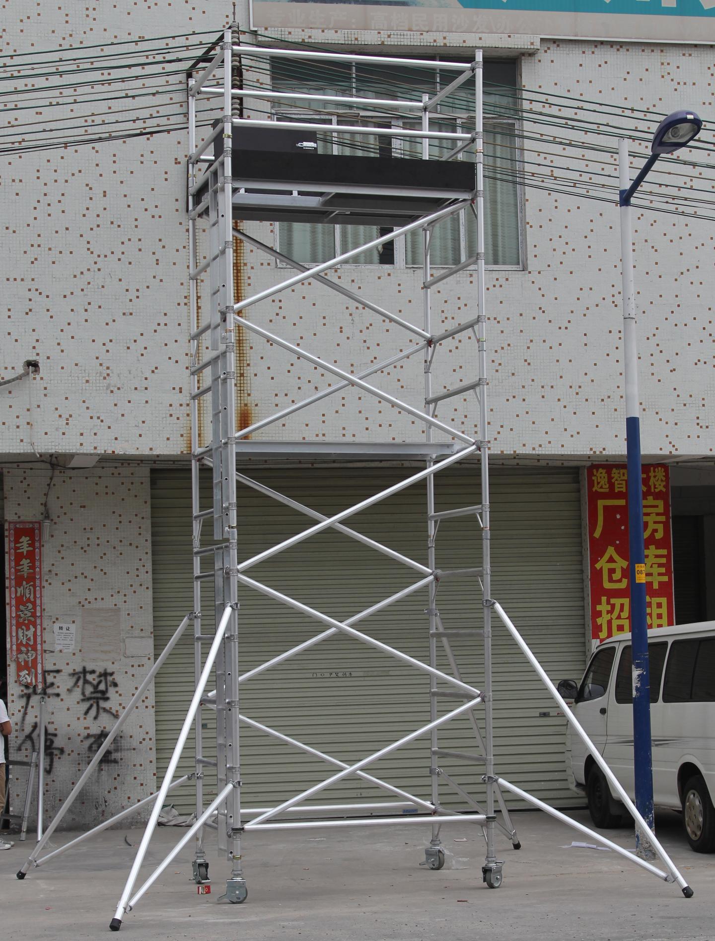 钢结构斜拉杆安装图片