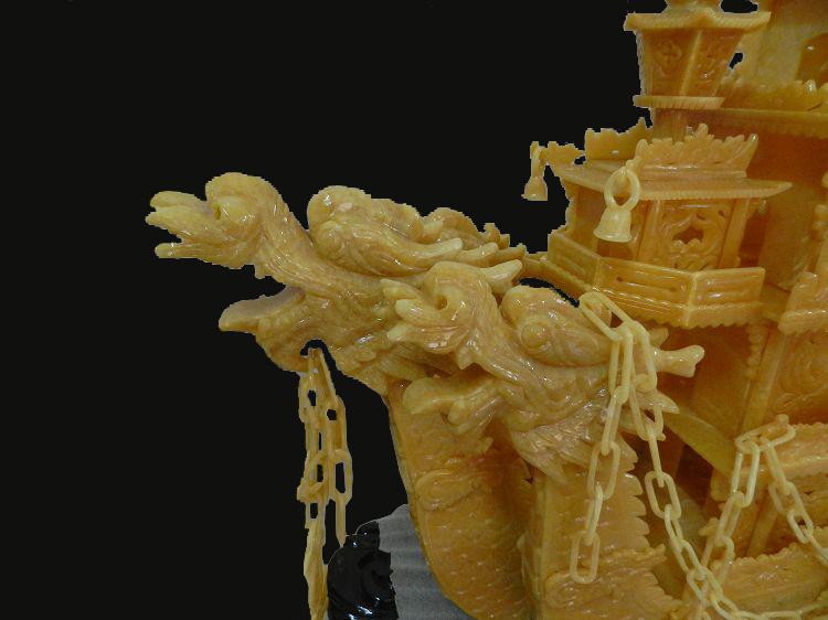 玉石雕刻山水宝塔图案
