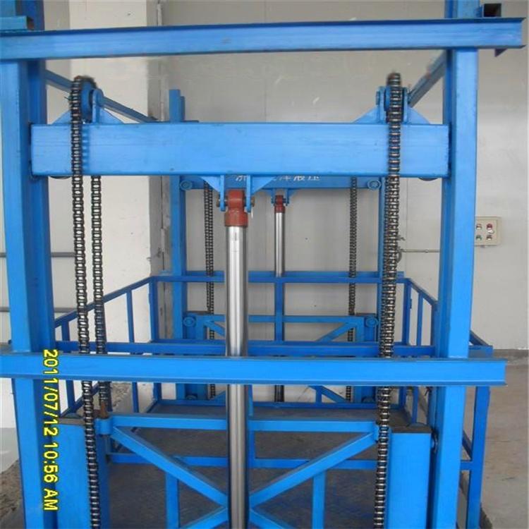 导轨式固定液压升降机是一种非剪叉式液压升降平台.图片