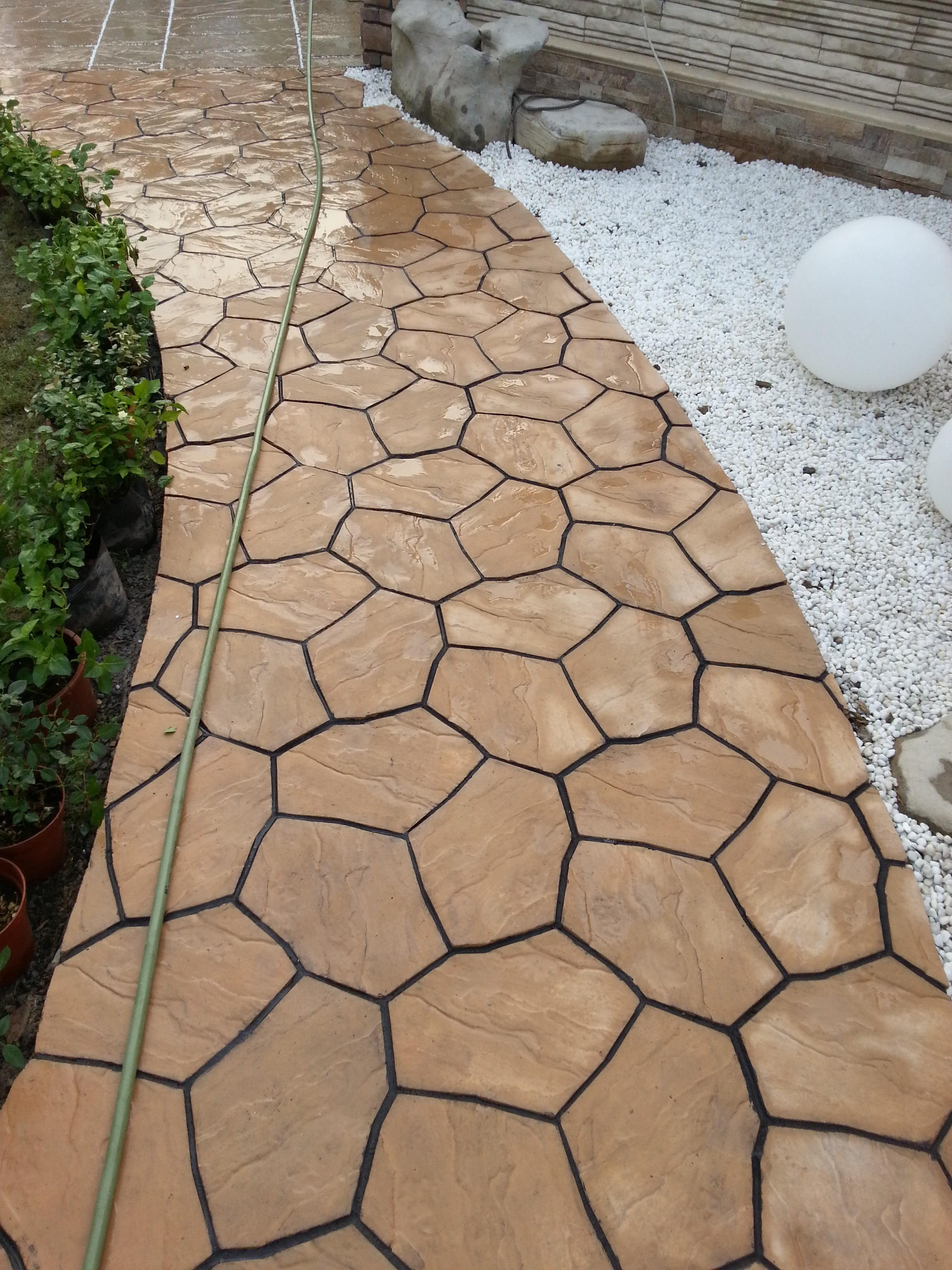 庭院浅色地砖效果图