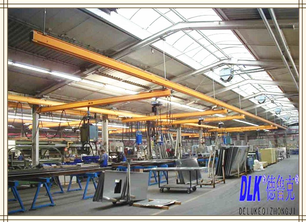 產品特點 、KBK有相同聯接互換的標準模組,可以將KBK起重機功能上基本相同的部件製成具有多種組合的用途。 、KBK軌道剛度好、自重輕,使用安全、定位輕鬆準確。 、KBK自重輕拆裝容易,可以固定在廠房橫樑、車間牛腿柱、建築吊頂結構等上,大大節省工廠的空間和製造成本。 注:如需報價請提供如下參數: 1.
