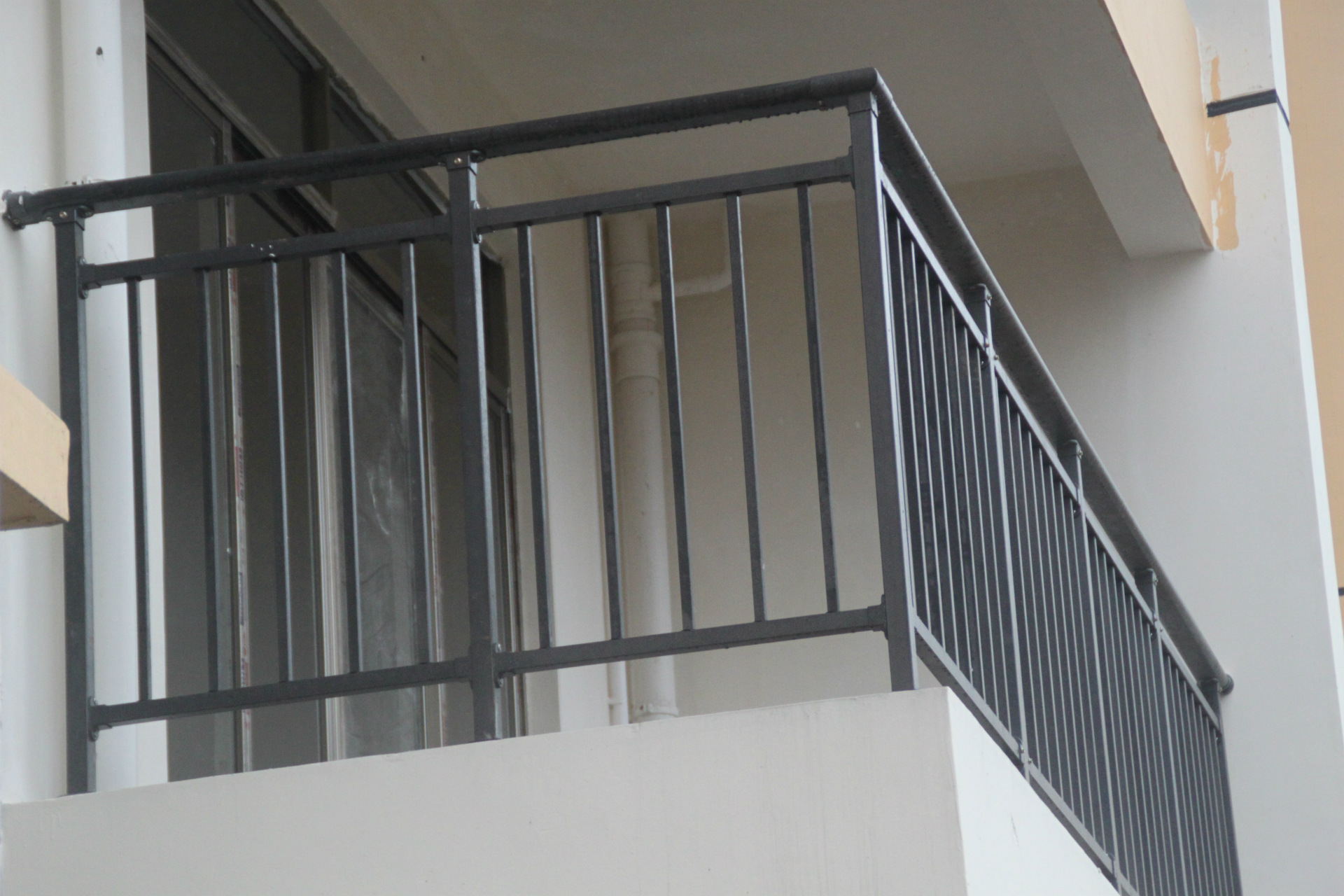 高层阳台防护栏图片_花、高楼铝合金窗花、广东铝合金窗花、阳台铝