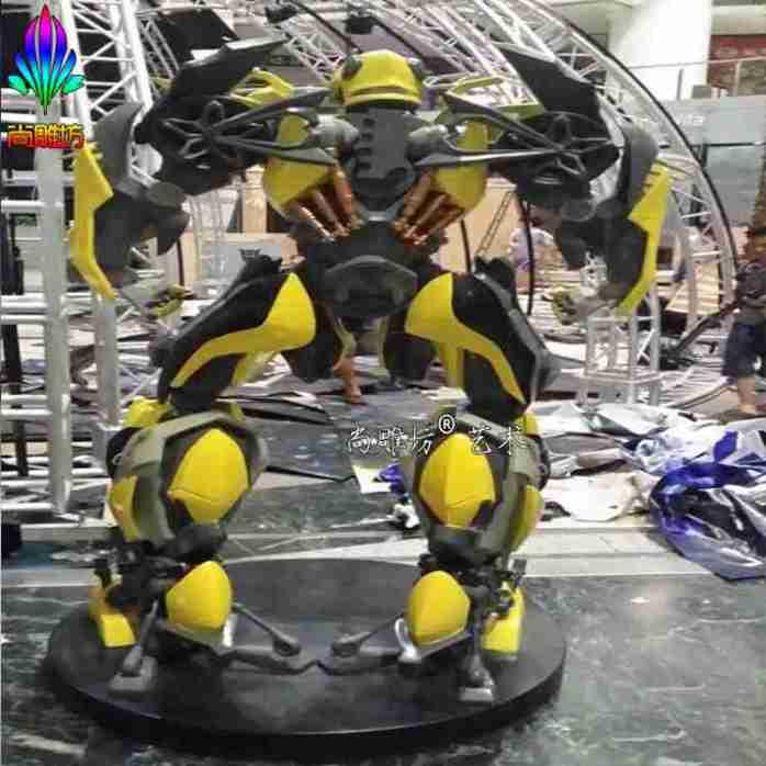 天河正佳广场大型变形金刚电影道具大黄蜂雕塑 变形金刚主题场景制作
