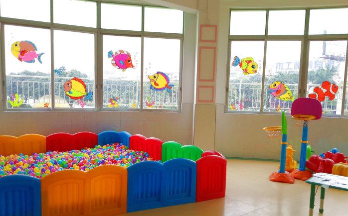 店铺名为: 幼儿园窗户双面贴纸