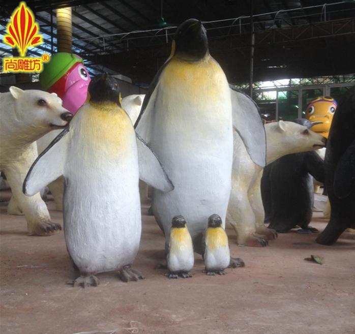 三款造型不同规格尺寸模拟企鹅造型模拟动物玻璃钢雕塑 园林户外景观