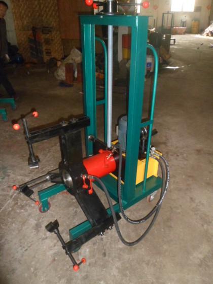 专业提供小车式电动液压升降拉顶机图片